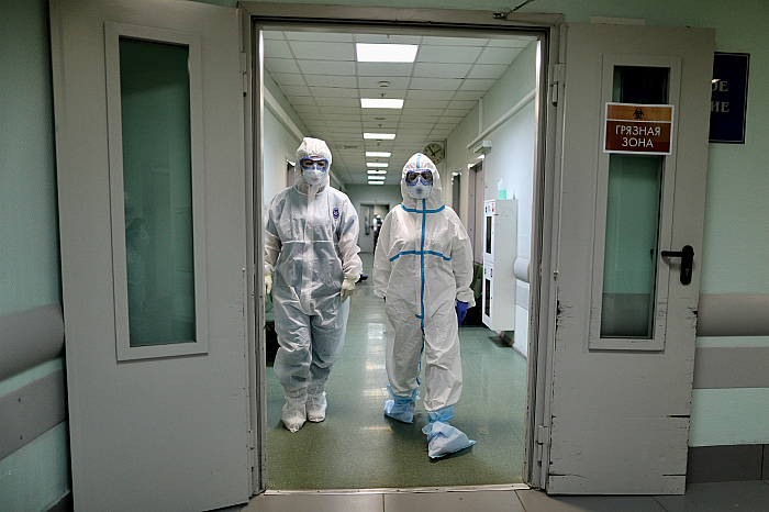 В России за сутки выявлено 8946 новых заболевших коронавирусом