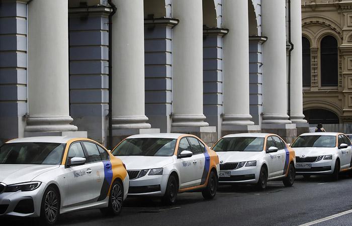 Компании каршеринга в Москве сдали в аренду около 5% парка в первый день возобновления работы