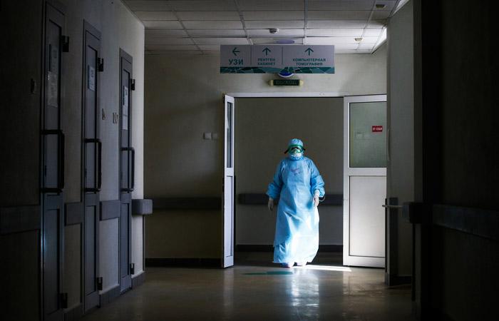 Москва направит в регионы 40 врачей и оборудование для борьбы с COVID-19