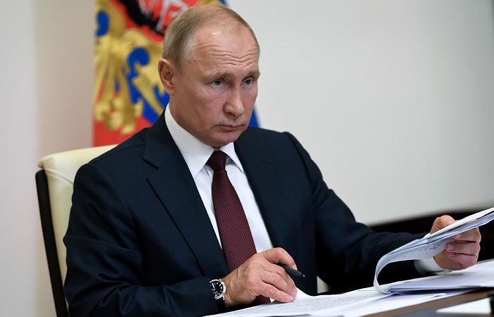 Путин в среду обсудит с Собяниным ситуацию с коронавирусом в Москве