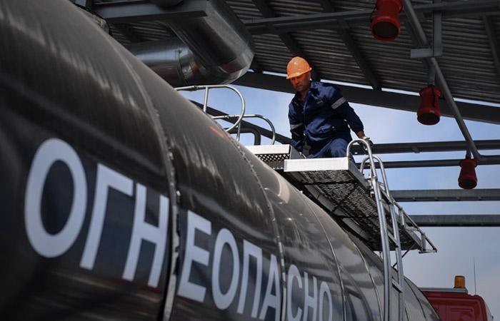 Временный запрет на импорт топлива в Россию вступит в силу со 2 июня