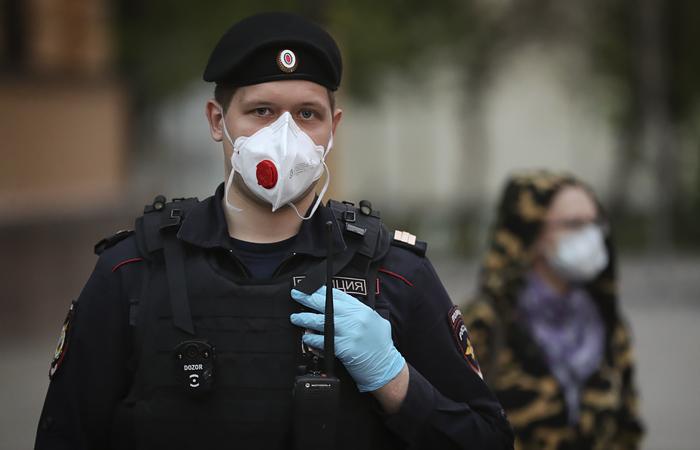 На Петровке задержали восемь московских депутатов