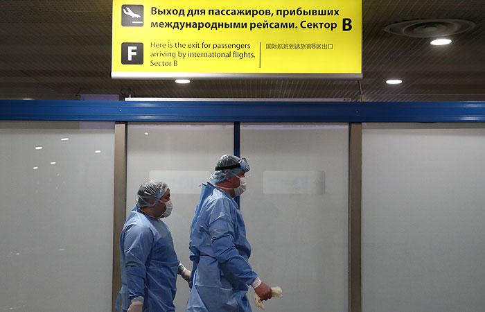 Более 25 тыс. остающихся из-за COVID-19 за рубежом россиян хотят вернуться на родину