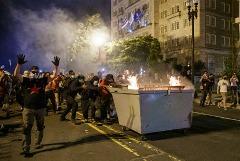 В ходе акций протеста в 22 американских городах арестованы 1700 человек