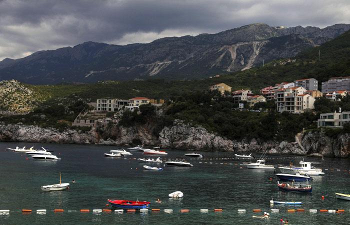 Черногория 1 июня открыла границы для 130 стран, не включив в список Россию