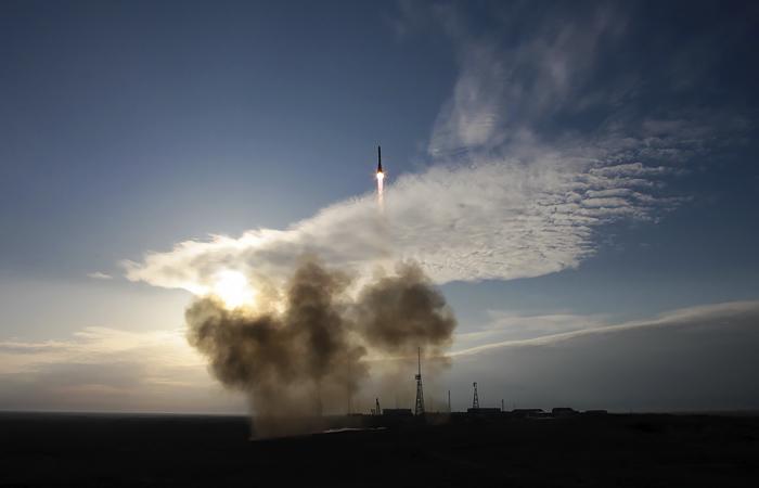 """""""Роскосмос"""" и НАСА договариваются о взаимном предоставлении мест для полетов на МКС"""