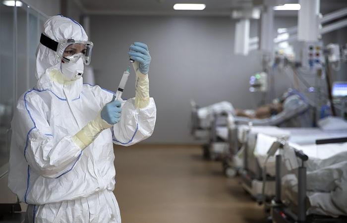 В России за сутки коронавирус выявили у 8 863 человек
