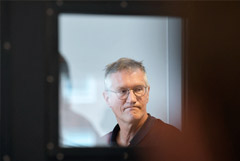 "Автор ""шведского пути"" борьбы с коронавирусом признал ошибки"