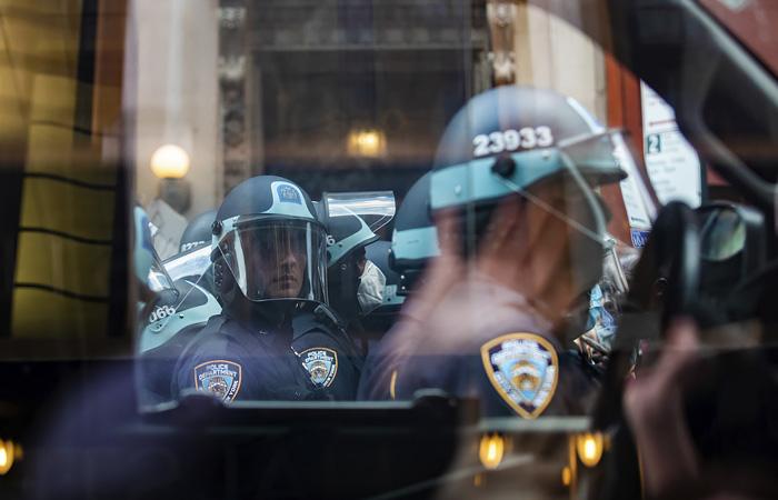 Lego отказалась от рекламы конструкторов с полицейскими на фоне беспорядков в США
