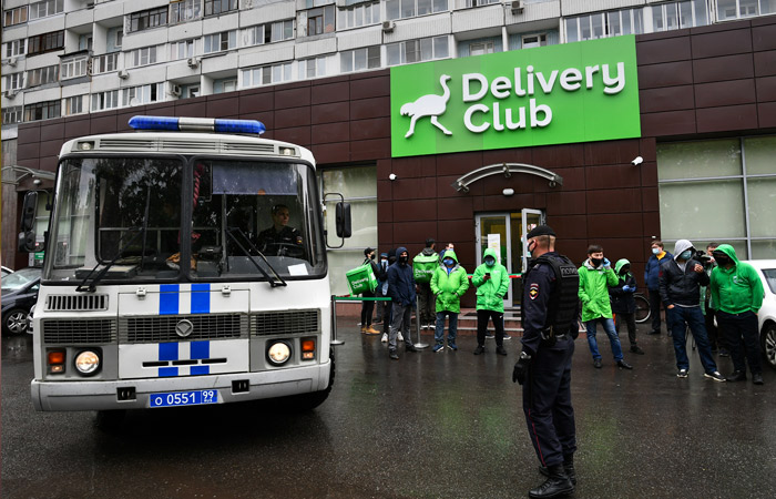 Конфликт Delivery Club с собственными курьерами проверят прокуроры