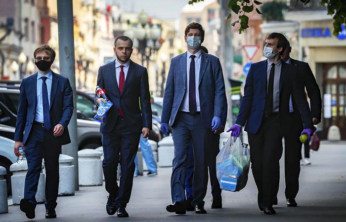 Свыше трети москвичей сочли, что самоизоляцию в столице отменили вовремя