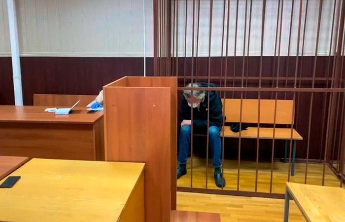 Актера Ефремова отправили под домашний арест за смертельное ДТП