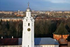 Удар молнии вывел из строя куранты на часовой башне новгородского кремля