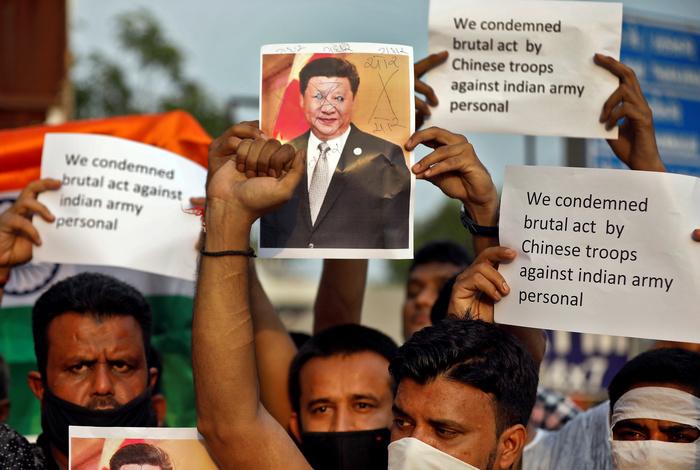20 индийских военных погибли из-за столкновения с китайскими войсками