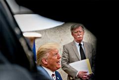 Болтон рассказал о желании Трампа вторгнуться в Венесуэлу