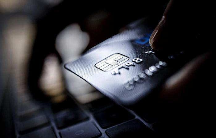 ЦБ РФ задумался об ограничении комиссии банков за обслуживание карт