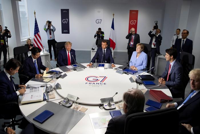 Болтон рассказал об отношении Трампа к мировым лидерам