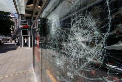 В результате погромов в Штутгарте пострадали 19 полицейских