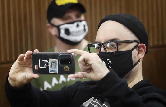 Гособвинение попросило у суда 6 лет колонии для режиссера Серебренникова