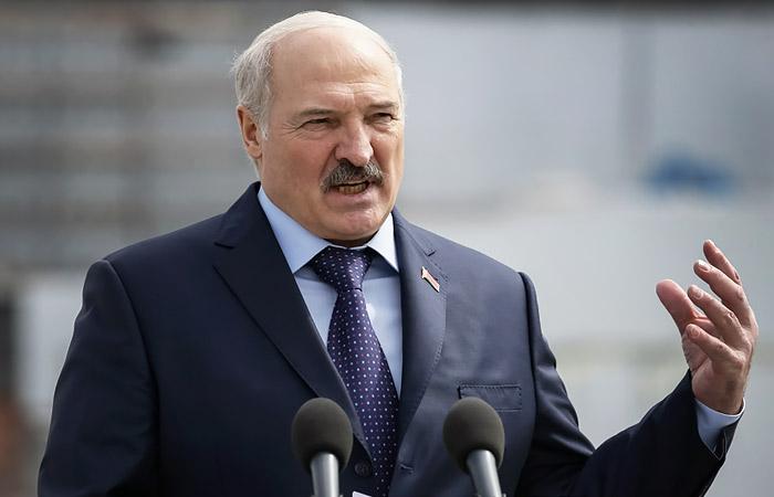 Лукашенко заявил о российском вмешательстве во внутренние дела Белоруссии