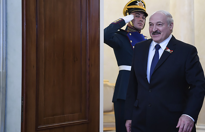Лукашенко пообещал референдум по изменениям в Конституции Белоруссии