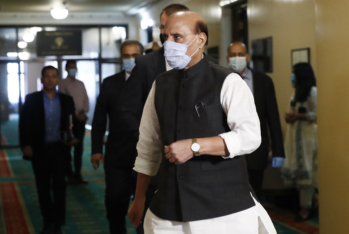 Индия торопится закупить российское вооружение из-за обострения отношений с Пакистаном и КНР
