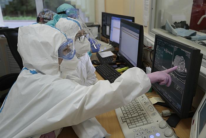 За сутки число заболевших коронавирусом в РФ выросло на 6556