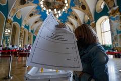 Почти 54% избирателей в НАО проголосовали против поправок в Конституции