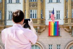 Путин прокомментировал появление флага ЛГБТ на здании посольства США