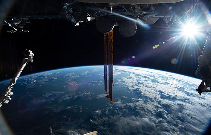 МКС уклонилась от космического мусора