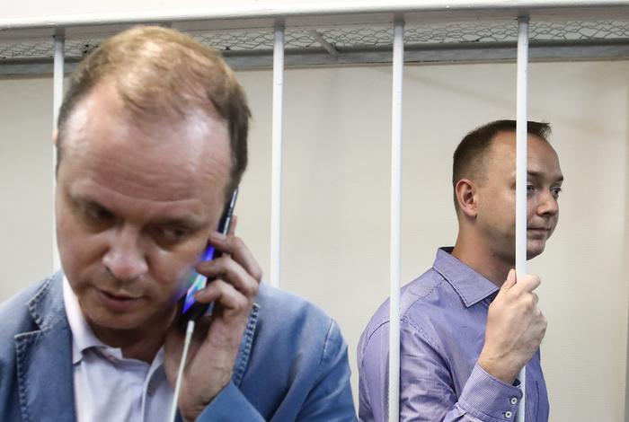 Адвокат Сафронова заявил, что журналисту вменяют передачу данных чешской спецслужбе