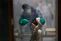 Глава ВОЗ заявил, что распространение коронавируса в мире ускоряется