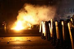 За два дня антикарантинных беспорядков в Сербии пострадали 118 полицейских