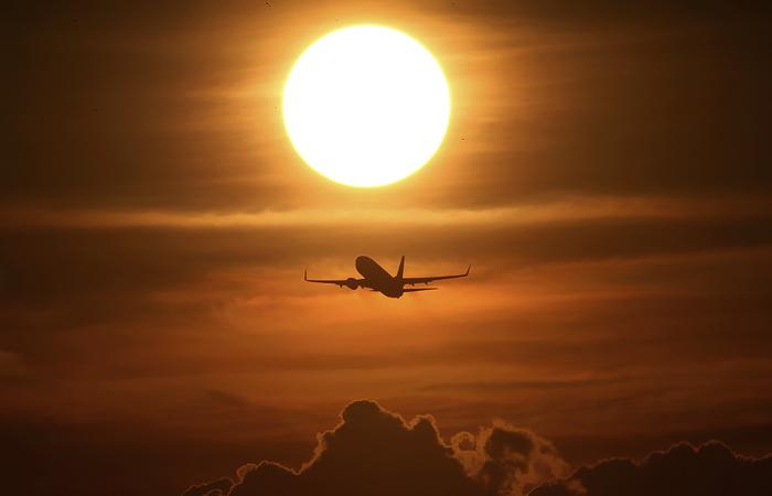 Россия  планирует частично возобновить международное авиасообщение с 15 июля