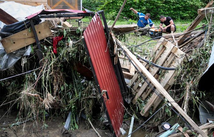 Потерявшим дома из-за прорыва дамбы в Рузе пообещали по 2 млн рублей компенсации