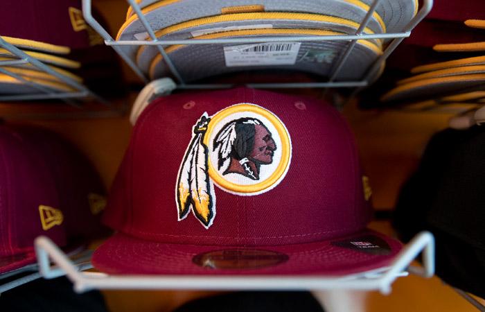 Клуб НФЛ  Washington Redskins сменит название, чтобы не оскорблять индейцев