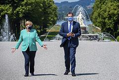 """Меркель в """"баварском Версале"""" провела переговоры с возможным преемником"""