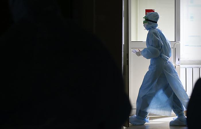 За сутки в России выявлено 6422 новых случая COVID-19