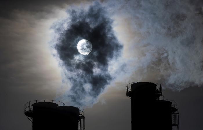 Нефтегазовые гиганты поставили цель снизить выбросы парниковых газов к 2025 году