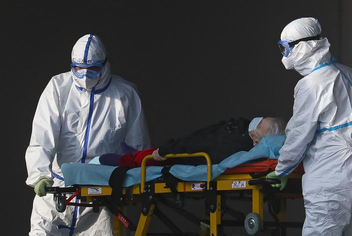 За сутки в Москве скончались 13 пациентов с COVID-19