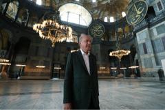 Эрдоган проверил работы по превращению собора Святой Софии в мечеть
