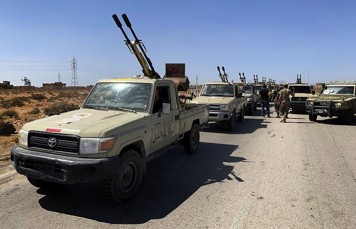 Парламент Египта наделил президента правом отправить войска в Ливию