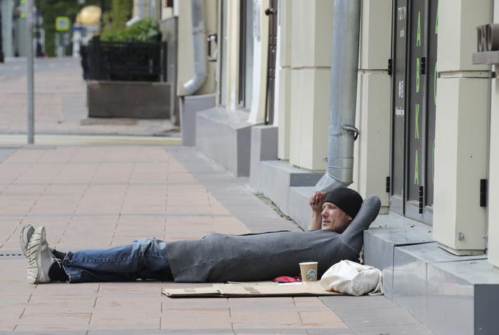 Безработица в РФ в июне выросла до восьмилетнего максимума