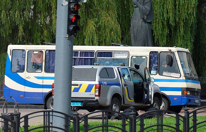 Луцкий террорист пригрозил полиции оружием
