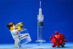 COVID-вакцинацию россиян из групп риска запланировали на август