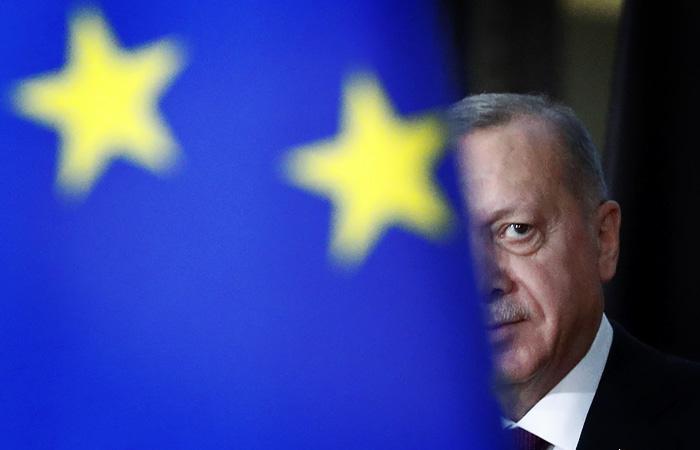 Эрдоган призвал остановить геологоразведку на востоке Средиземноморья