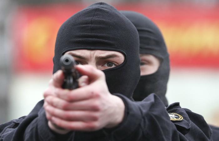 Задержанные под Минском россияне упомянули службу в силовых ведомствах РФ