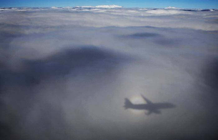 Су-27 перехватил над темным  морем два самолета США
