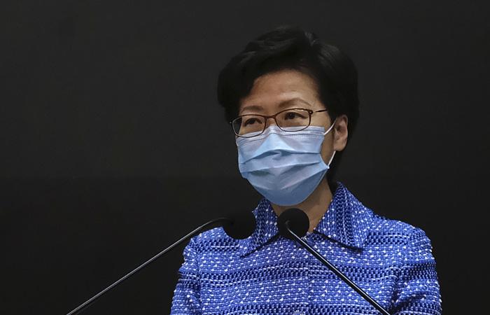 Выборы в парламент Гонконга отложили на год из-за коронавируса