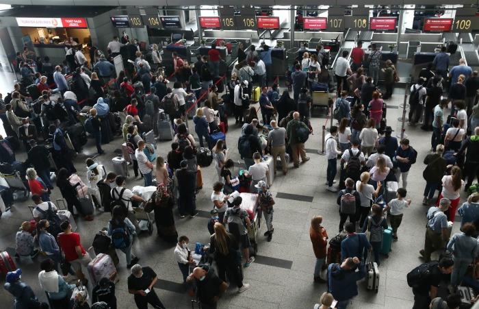 Источник заявил об отсутствии планов запустить сразу все полеты из РФ